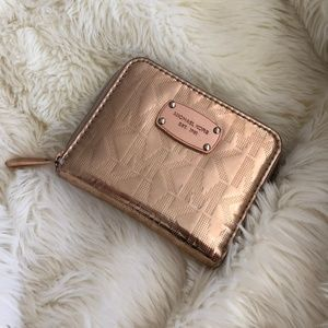 Authentic Michael Kors Small Wallet Rose Gold